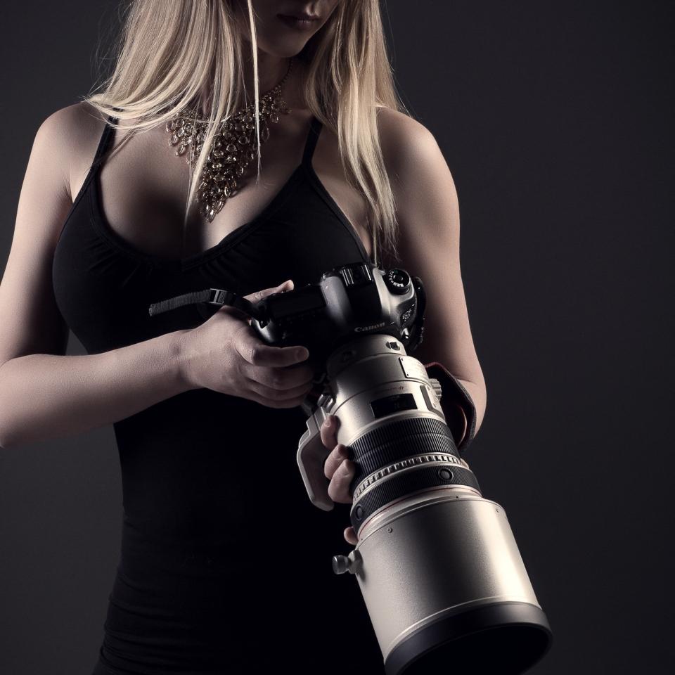 Denver female boudoir photographer, Empowering photo sessions, female photographer, Best Denver Boudoir photographer, boudoir photo, denver boudoir photo studio