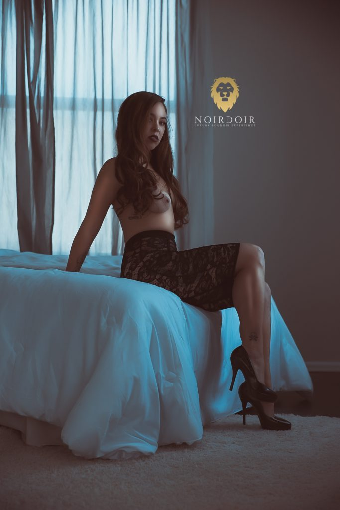 best boudoir photosession, best photo shoot boudoir, denver best boudoir photoshoot, great boudoir photo shoot, Boudoir Photography in Denver, Denver boudoir, best boudoir, boudoir session, sexy photoshoot, album, photosessions for ladies